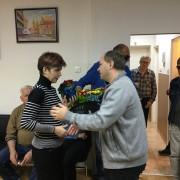 Poklanjanje jaglaca članici Mariji Vidmar